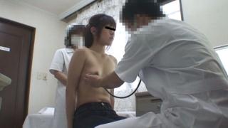 なかなかの美乳・クラミジア治療中の服部さん 触診シーン 実録・産婦人科盗撮 File12