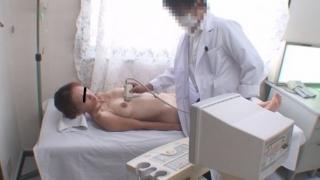 エコー検査を受ける月経困難症の巨乳主婦・山口さん・・・産婦人科盗撮 File16 エコー診断②