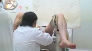 美脚OLの山崎さん、月経前症候群で診察中・・・産婦人科盗撮 File17 内診台②