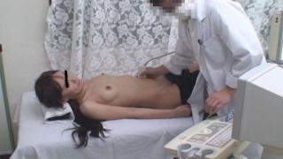 月経困難症の菊井さん 実録・産婦人科盗撮 File14 触診&エコー検査②