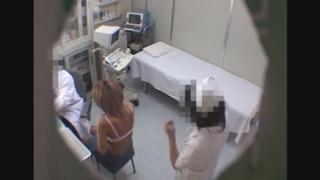 全裸で日サロに通う短大生のアヤコさん(19才)の問診シーン レディースクリニック検診隠し撮り No.19