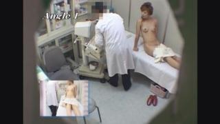 半裸姿がかなりエロい長美乳美女のデパート店員ヒトミさん(20歳)のエコー診断 レディースクリニック検診隠し撮り No.24