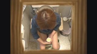 ミニスカ美脚の女子大生アキさん(20) ~待合室・採尿~ 婦人科診察のすべて  File03-a