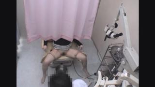 なかなか美脚の美人保育士ミワさん(26) ~内診台診察(前半)~ 婦人科診察のすべて File05-b