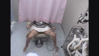 遊んでそうでもやっぱり恥ずかしい開脚内診台診察(前半)・・・19歳サキさん 婦人科診察のすべて File06-b