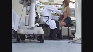 19歳女子大生の美乳を堪能♪・彩さん(19)関西有名産婦人科マル秘盗撮 問診編