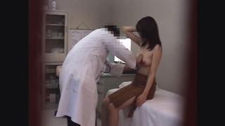 【美乳を揉まれる女子大生のエミさん(20)問診・触診編2 産婦人科診察#016A-2