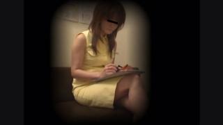 長身美女のOLマミさん(28) ~待合室・採尿~ 婦人科診察のすべて  File22-a