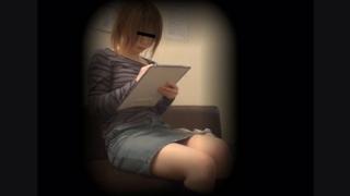ミニスカ巨乳女子大生のミツヨさん(21) ~待合室・採尿~ 婦人科診察のすべて  File30-a
