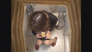 カオリさん(21歳・接客業) ~採尿~ 新・婦人科診察のすべてFile03-B
